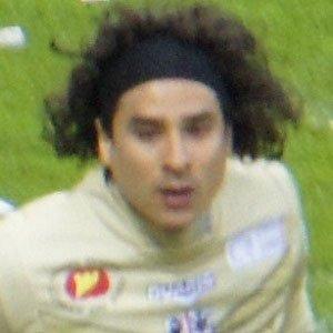 Soccer Player Guillermo Ochoa - age: 36