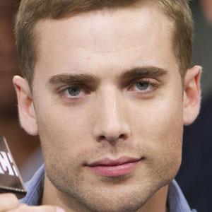 TV Actor Dustin Milligan - age: 35