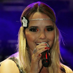 Pop Singer Thaeme Marioto - age: 35