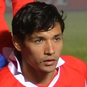 Soccer Player Fabian Orellana - age: 34