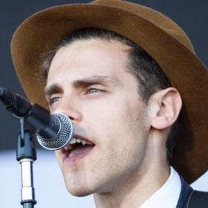 Folk Singer Charlie Fink - age: 34