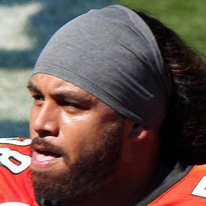 Football player Rey Maualuga - age: 33