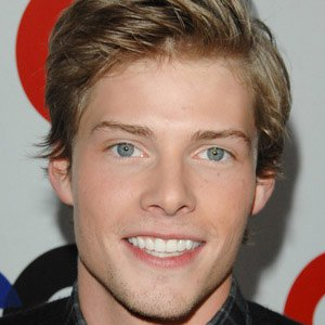Hunter Parrish - age: 33