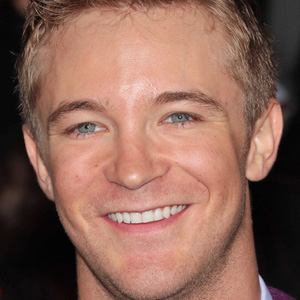 TV Actor Michael Welch - age: 33