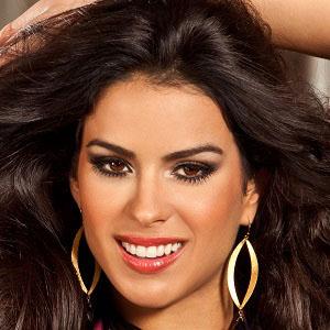 model Vanessa Deroide - age: 33