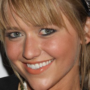 TV Actress Johanna Braddy - age: 33