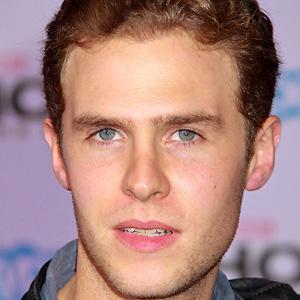 TV Actor Iain De Caestecker - age: 29