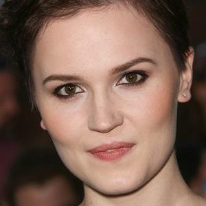 Young Adult Author Veronica Roth - age: 32