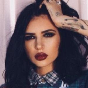 model Hanna Beth Merjos - age: 28