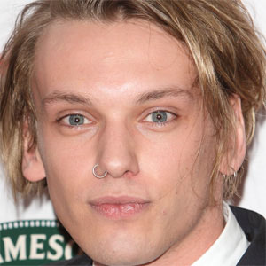 Movie Actor Jamie Campbell Bower - age: 32
