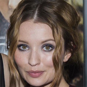 Movie actress Emily Browning - age: 29