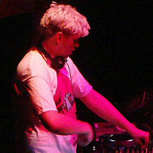DJ Flux Pavilion - age: 32