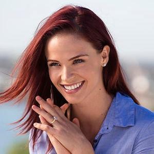 TV Actress Lauren Brant - age: 31
