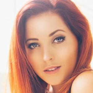 model Lucy Collett - age: 31