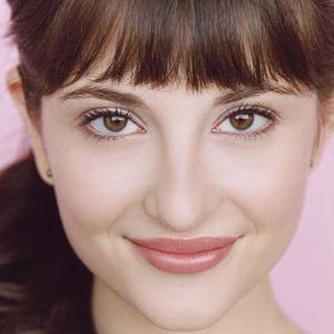 Comedian Allison Raskin - age: 31
