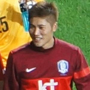 Soccer Player Hwang Seok-ho - age: 31