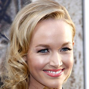 Pop Singer Kelley Jakle - age: 31