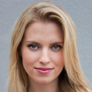 Voice Actor Barbara Dunkelman - age: 27