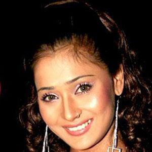 model Sara Khan - age: 31