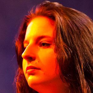 Pop Singer Anna Murphy - age: 31
