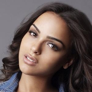 model Lisa Ramos - age: 27