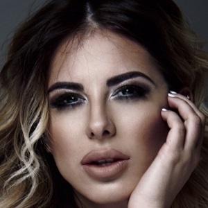 web video star Zoranna Jovanovic - age: 30