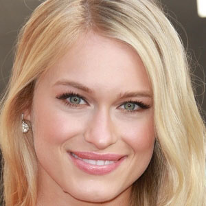 TV Actress Leven Rambin - age: 30