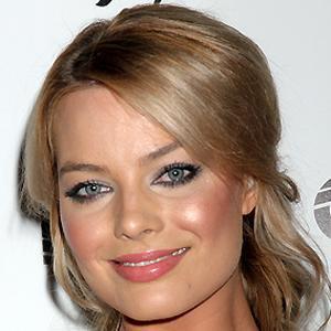 Movie actress Margot Robbie - age: 26