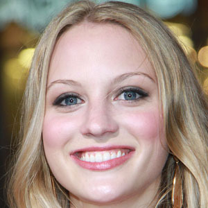Movie actress Kirby Bliss Blanton - age: 26