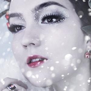 web video star Klaire De Lys - age: 30
