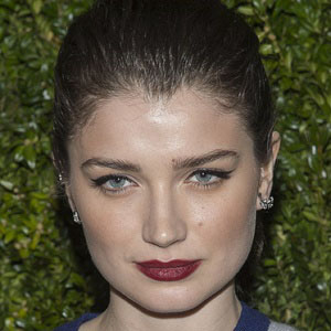 Movie actress Eve Hewson - age: 25