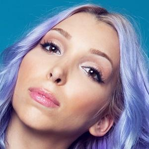 Pop Singer Jewel Restaneo - age: 26