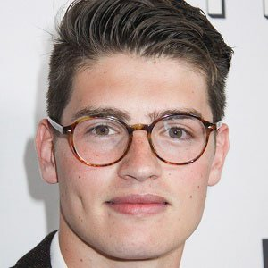 TV Actor Gregg Sulkin - age: 28