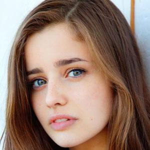 TV Actress Holly Earl - age: 24