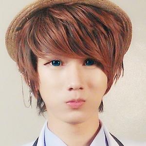 web video star Lee Jaeshin - age: 25