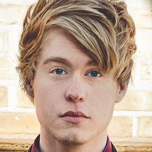 web video star Austin Jones - age: 24
