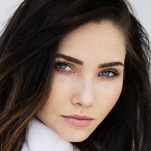 TV Actress Jessica Green - age: 28