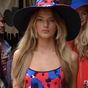 model Bregje Heinen - age: 24