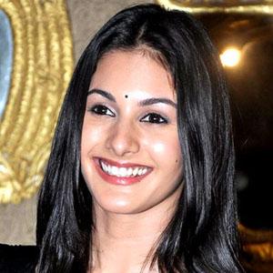 Movie actress Amyra Dastur - age: 27
