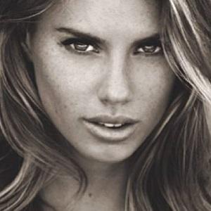 model Charlotte McKinney - age: 27