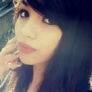 web video star Trickywi - age: 23