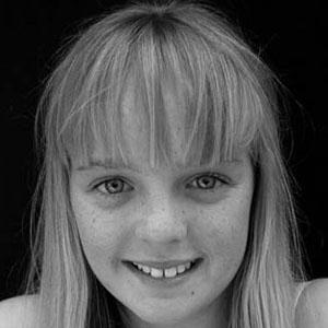 TV Actress Cleo Massey - age: 23