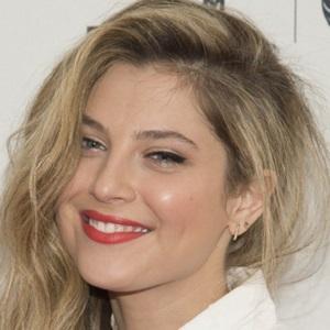 Movie actress Zoe Levin - age: 27