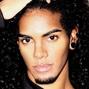 web video star Xavier Ivan - age: 26