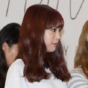 Pop Singer Heo Young-ji - age: 22