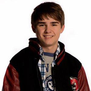 TV Actor Dylan Everett - age: 25
