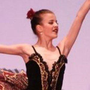 Dancer Brittany Raymond - age: 22