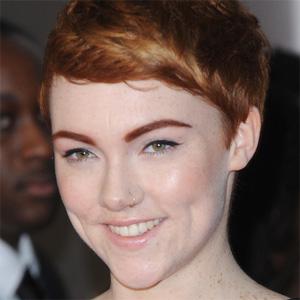 Pop Singer Chloe Howl - age: 22