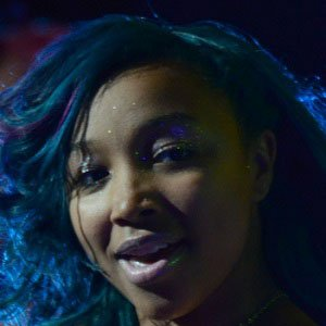R&B Singer Zonnique Pullins - age: 21