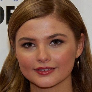 TV Actress Stefanie Scott - age: 20